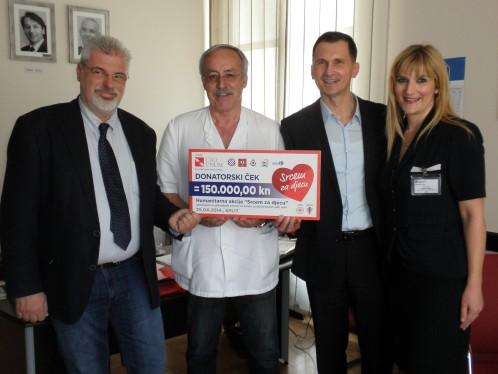U Splitu uručen ček u visini od 150 tisuća kuna sanacijskom ravnatelju KBC-a Split doc.dr.Kolji Poljaku