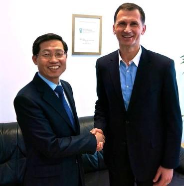 Veleposlanik Republike Koreje u Republici Hrvatskoj NJ.E. Hyung-won SUH i prof.dr. Dragan Primorac